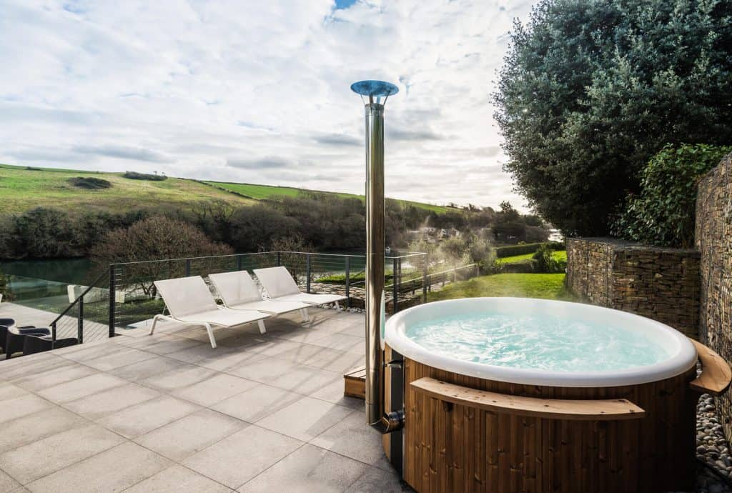 Peachy Salcombe Holiday Homes With Hot Tubs Salcombe Finest Download Free Architecture Designs Viewormadebymaigaardcom