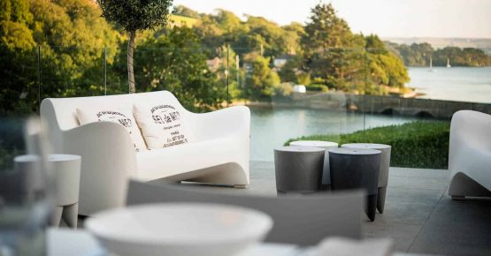 woodspring salcombe holiday outdoor seating
